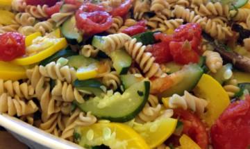 vegan tomato zucchini pasta